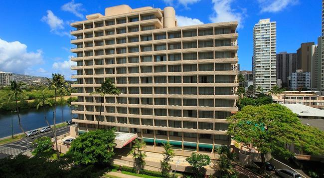 Waikiki Sand Villa - Honolulu - Building