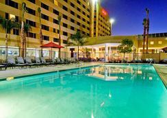 Bakersfield Marriott at the Convention Center - Bakersfield - Kolam