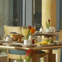 InterCityHotel Düsseldorf Breakfast room