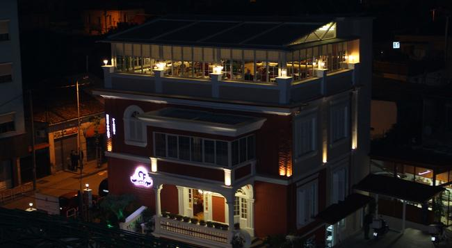 Hotel Boutique Gloria - Tirana - Building