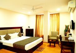 Hotel Royal Palm - Udaipur - Kamar Tidur