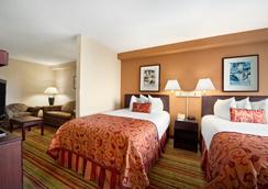 Ramada Suites Orlando Airport - Orlando - Kamar Tidur