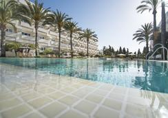 Alanda Hotel Marbella - Marbella - Kolam