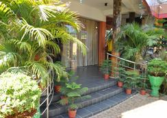 Sunshine Hotel & Hall - Trincomalee - Pemandangan luar