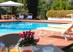 Poggio Del Golf Residence & Club - Florence - Kolam