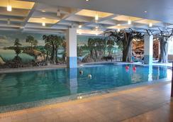 Hotel Millennium - Guwahati - Kolam