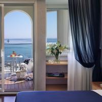 Hotel Tiffany's Guestroom