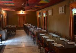 Hotel Apano Rajasthan & Holiday Resort - Jaipur - Restoran