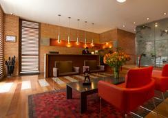 84dc Hotel - Bogotá - Lobi