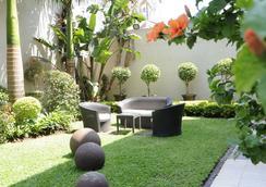 Afrin Prestige - Maputo - Pemandangan luar