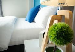 Oyes Hostel - Krabi - Kamar Tidur