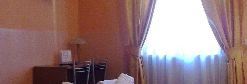 Hotel Dateo - Milan - Bedroom