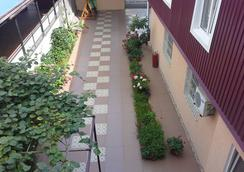 Guest House Eucalyptus - Sochi - Serambi