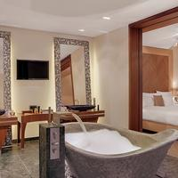 anna hotel Bathroom