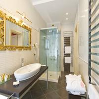 Savoia & Jolanda Bathroom