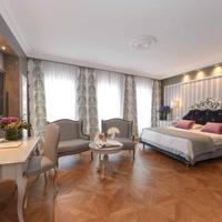 Savoia & Jolanda Guestroom