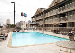 Comfort Inn Downtown Nashville-Vanderbilt - Nashville - Kolam