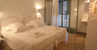 Hostal Juanita - Ibiza - Kamar Tidur
