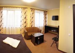 Aktai Hotel - Ust-Kamenogorsk - Kamar Tidur