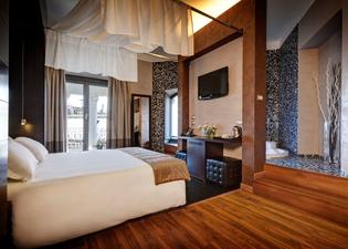 Dharma Hotel