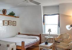 Smallest Bar Inn - Key West - Kamar Tidur