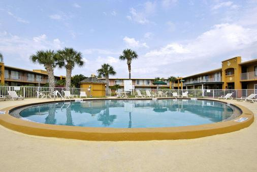 Days Inn by Wyndham Orlando/International Drive - Orlando - Kolam