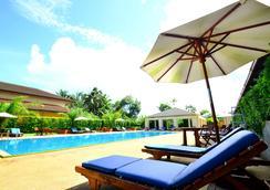 Tinidee Hotel @ Ranong - Mueang Ranong - Kolam