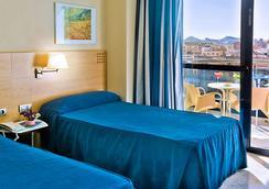 Hotel Madeira Centro - Benidorm - Kamar Tidur