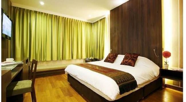Monal Boutique Hotel - San Antonio - Bedroom