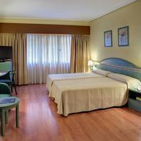 Hotel Monte Carmelo Guestroom