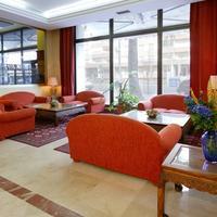 Hotel Monte Puertatierra Lobby Sitting Area
