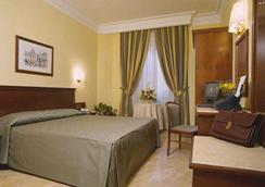 Hotel Sonya - Roma - Kamar Tidur
