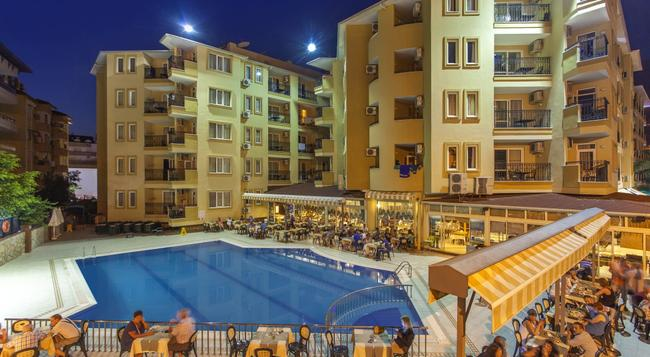 Kleopatra Royal Palm Hotel - Alanya - Building