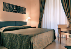 Crosti Hotel & Residence - Roma - Kamar Tidur