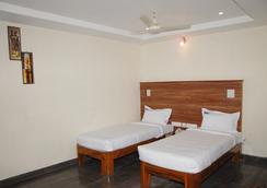 Hotel Slv Grand - Tirupati - Kamar Tidur