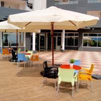 Port Europa Poolside Bar