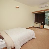 Richmond Hotel & Suites Executive Deluxe