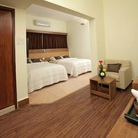 Richmond Hotel & Suites Family Deluxe