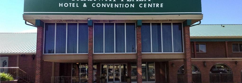 Parkway Plaza Hotel & Convention Centre - Casper - Building