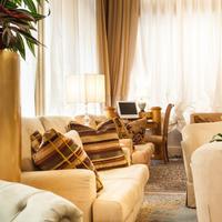 Hotel San Luca Lobby Sitting Area