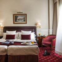 Hotel Emperador Guestroom