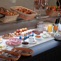 Brit Hotel Brive Breakfast Area