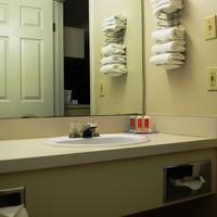 Econo Lodge Bathroom