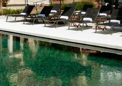 Hotel Medium Sitges Park - Sitges - Kolam