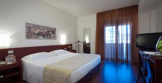 Astoria Palace Hotel - Palermo - Kamar Tidur