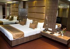 Hotel Centre Point - Nagpur - Kamar Tidur