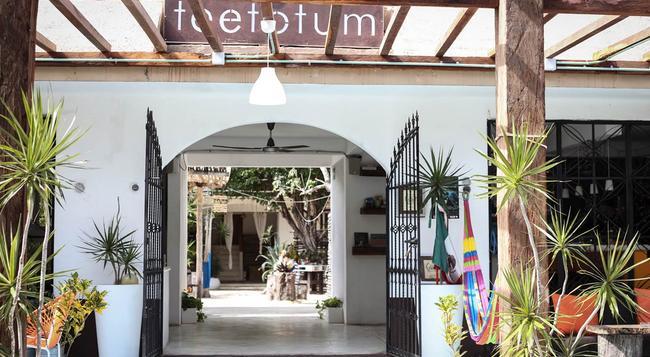 Teetotum Hotel - Tulum - Building