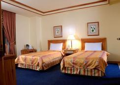 Bayview Park Hotel Manila - Manila - Kamar Tidur