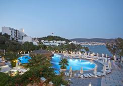 Salmakis Resort & Spa - Bodrum - Kolam