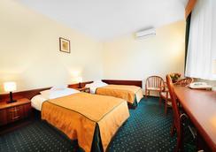 Hotel T&T - Poznan - Kamar Tidur